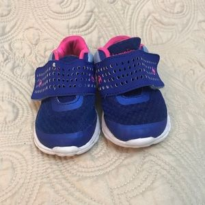 Champion size 7 toddler shoes